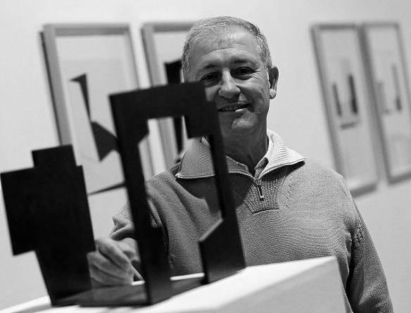 """Iñaki Ruiz de Egino: """"Artistaren bizitza zoroa da, hala izan behar du"""""""