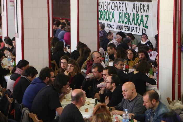 Euskaraz Bizi eguneko bazkariko argazki galeria - 4