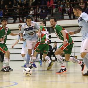 Eskoriatzak Aretxabaleta garaitu du (3-0)