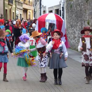 Mozorro desfilea eta lehiaketa Aramaioko Aratusteetan