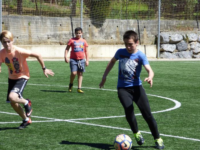 Oñatiko, Bergarako eta Arrasateko gazteak elkarrekin futbolean - 13