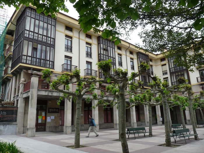 Enpresa-batzordea desegiteko lege prozedura aktibatuko dute Iturbide egoitzako langileek