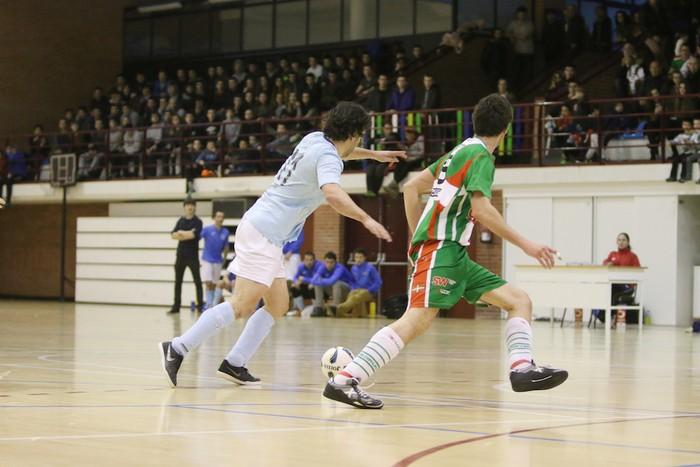 Eskoriatzak Aretxabaleta garaitu du (3-0) - 3