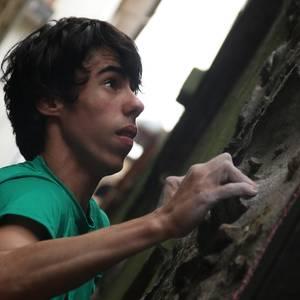 Julen Valle eta Haizea Oses nagusi sanjuanetako  'Street boulder' txapelketan