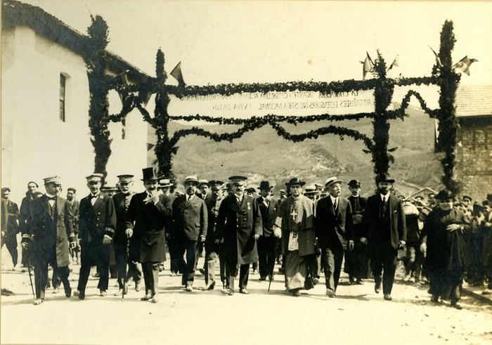 1919. urtean inaugurazioa Arrasaten.
