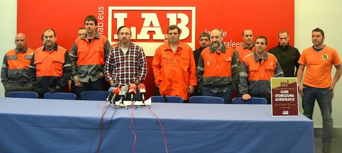 LABek kontratazio berriak eta inbertsioak eskatu ditu Arcelor Mittalen Euskal Herriko lantokietan