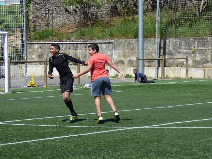Oñatiko, Bergarako eta Arrasateko gazteak elkarrekin futbolean - 11