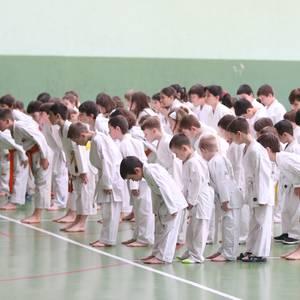 Karateka gaztetxoek shotokan txapelketa dotorea jokatu dute