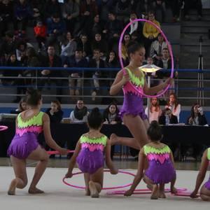 Bergarako gimnasia erritmikoaren festa argazkitan