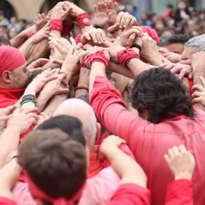 Els Castellers de Barcelonak jende asko batu du festa girora