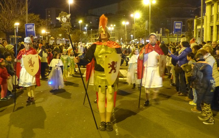 Errege Magoen desfile jendetsua Arrasaten - 16