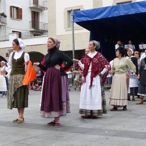 Dotore egin dute Beinke-Loramendi dantza