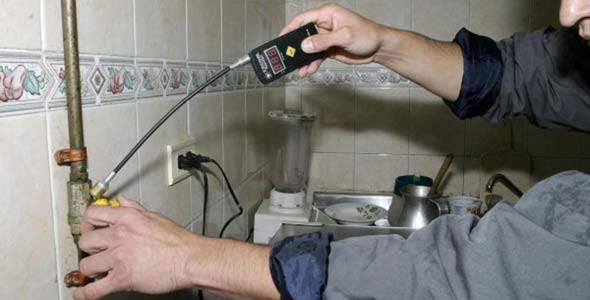 Iruzurra Aramaioko baserri eremuetan, gas teknikari faltsuen eskutik