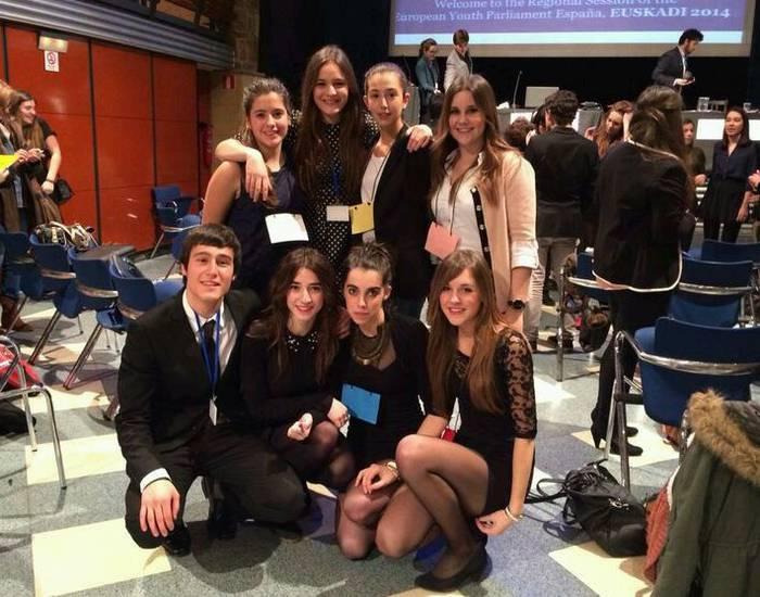 European Youth Parliament-en Espainiako kanporaketarako sailkatuta.