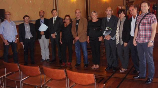 Notario aurrean sinatu sinatu dute Arrizuriaga eta Seminarioaren arteko permuta