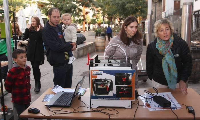 3D inprimaketara hurbiltzen