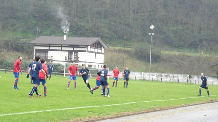 Futbola: Bergarak 2-3 galdu du Anaitasunaren aurka