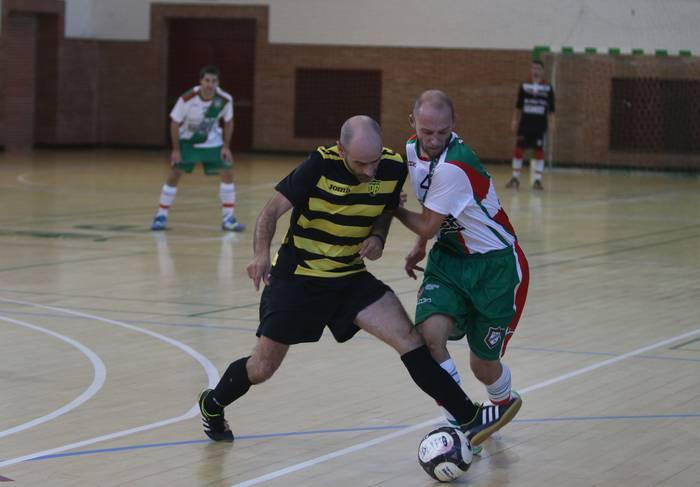Areto futbola: berdinketa gazi-gozoa eskoriatzako taldearentzat, Presion Breaken aurka