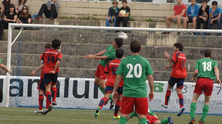 FUTBOLA: 93. minutuko Antzuolako golak berdindu du Aloñaren aurkako derbia