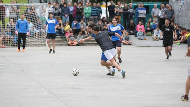 Zaldibarko areto futbol txapelketako argazkiak