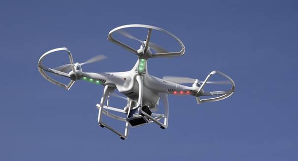 Droneen zirkulazioa eta baimentzea erregulatu du Espainiako Gobernuak