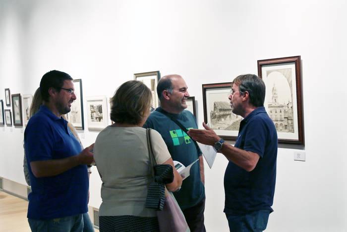 Jose Maria Arteaga artista bergararraren lanak ikusgai daude Aroztegin