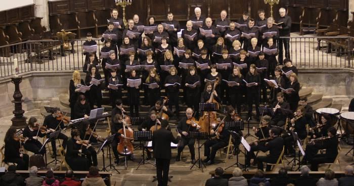Bergarako Orfeoiaren ahotsek handitu dute Händelen partitura