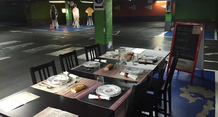'Aparkatu zure axolagabetasuna' erakusketa ikusgai Arantzazun