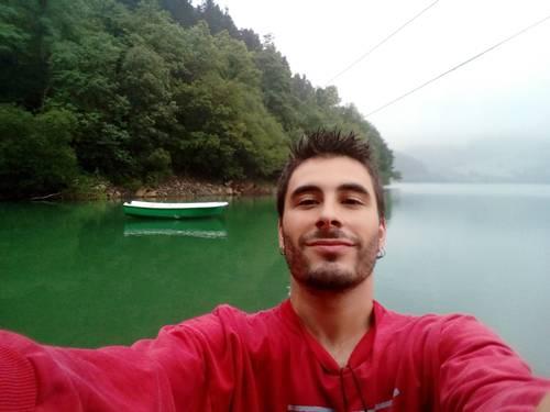 """Xabi Antxia: """"Bidaia bat egiteko proposamena bota dut eta dagoeneko 60 lagun batu dira"""""""