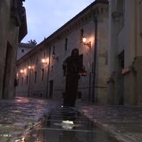 Gau Beltza: Bautista legenardunaren bisita gidatua