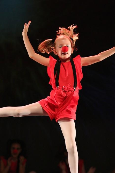 Arrasate Musikalek eta Arrasateko Ballet taldeak ikasturteko ikuskizuna eman zuten atzo - 13