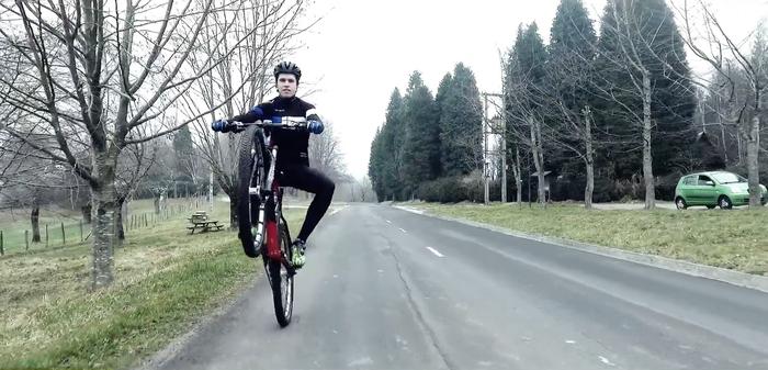 Zapatuan du Uriartek urteko erronka: 'Everesting Wheelie Challenge', Etxaurin