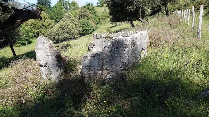 Bunkerra atontzeko lanak, argazkitan