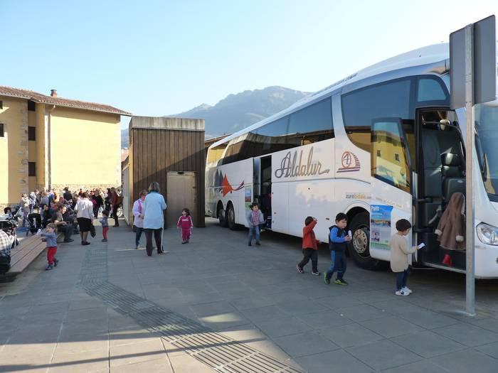Eskola Bus jarriko dute martxan maiatzean Oñatin, proba modura
