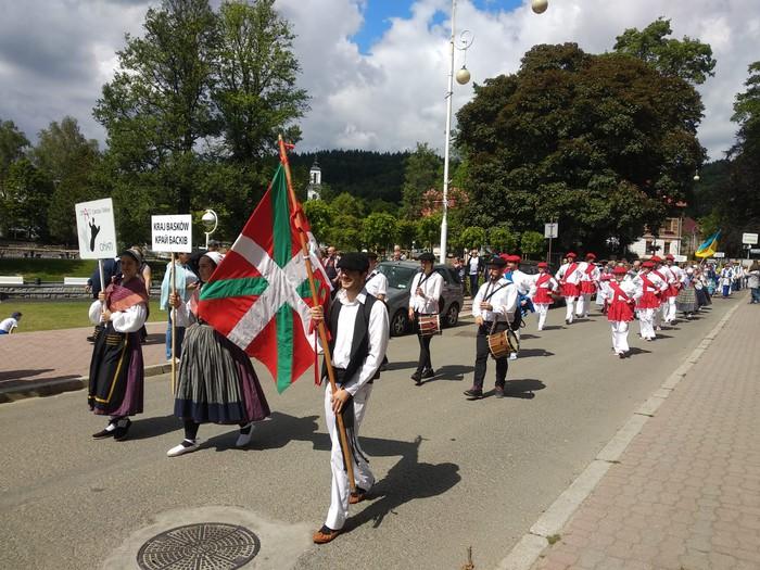 Lemko komunitatearen alde, Polonian dantzan
