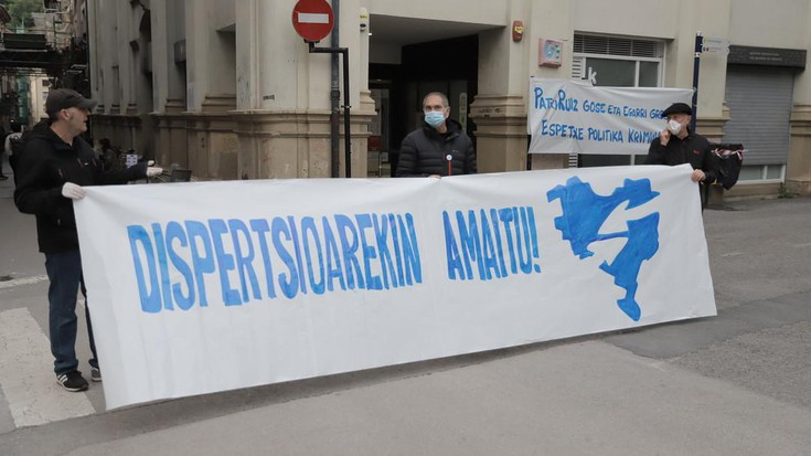Euskal presoen eskubideen aldeko aldarria Bergaran, segurtasun neurri guztiekin