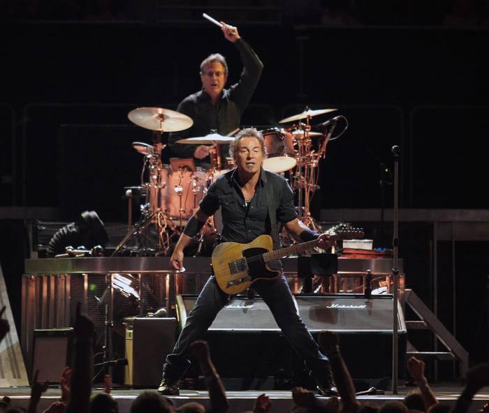 Bruce Springsteenen kontzerturako autobusa antolatu dute