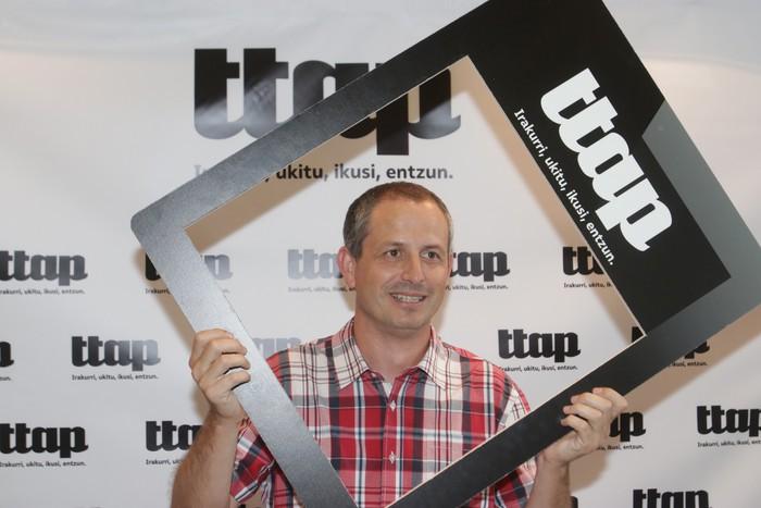 'Ttap' aldizkaria ezagutzeko jende asko elkartu da Donostian - 21