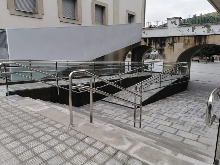 Arrapala eraiki dute herriko plazatik Santakurtz kalera