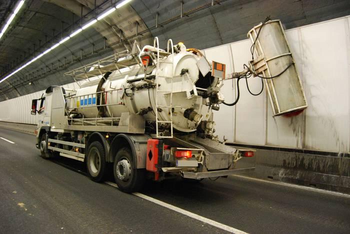 AP-1eko tunelen hormen garbiketari berrekin dio Bidegik