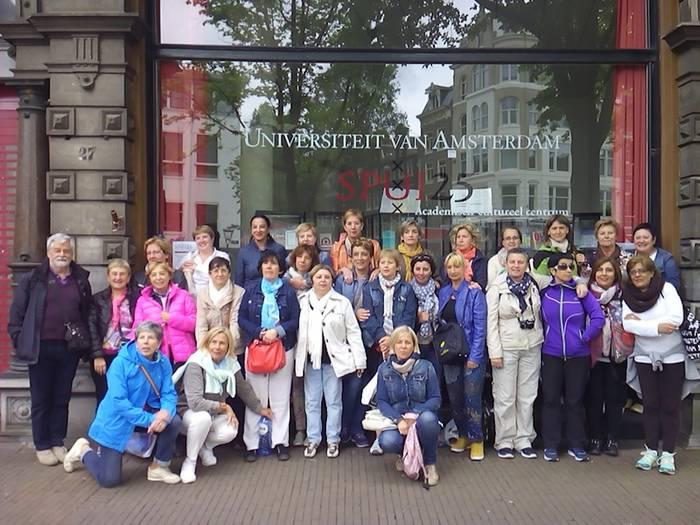 Helduen Eskolakoak Amsterdamen