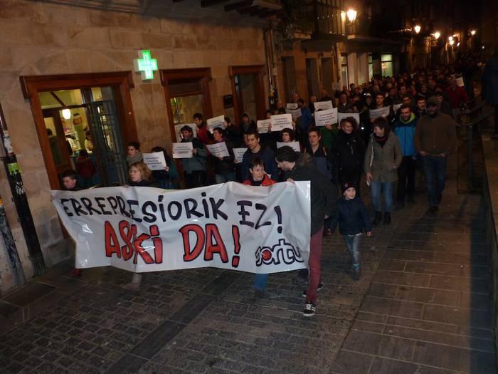 Zapatuko protestara deitu dute Arrasateko manifestazioan