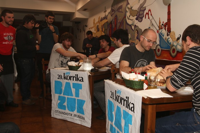 Jai Zale tabernako hanburgesa lehiaketa, argazkitan - 14