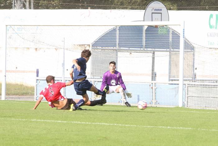 Bergara Hiria futbol torneoa etxekoendako izan da 3-2 Elgoibarren aurka irabazita