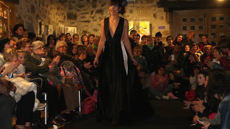 Emakume artisten lanak eta moda desfilea izan dira Ibarraundin