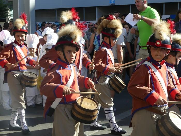 Txikitxoenek San Juan festetan murgildu dute herria - 1