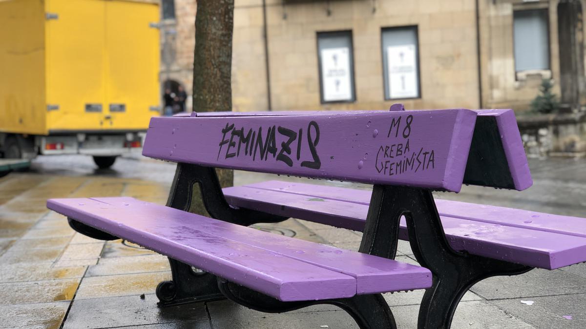 Feminismoaren aurkako pintaketa berri bat agertu da asteburuan
