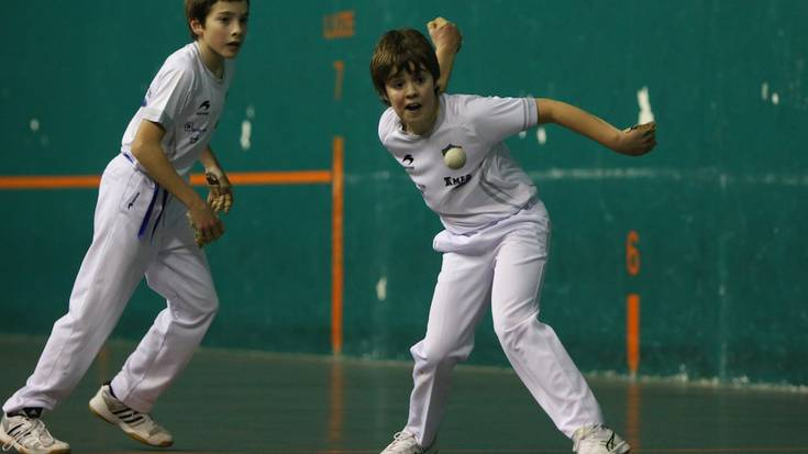 Gipuzkoako udaberri txapelketan beste partidu bat irabazi dute Aloña Mendiko pilotariek