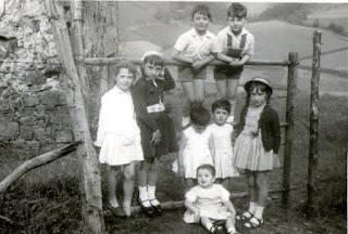 'Mendian lagunekin, 1958'