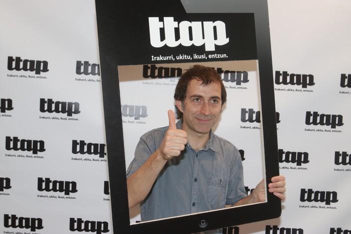 'Ttap' aldizkaria ezagutzeko jende asko elkartu da Donostian - 39
